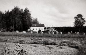 Kivikkolan tila 60-luvun alussa